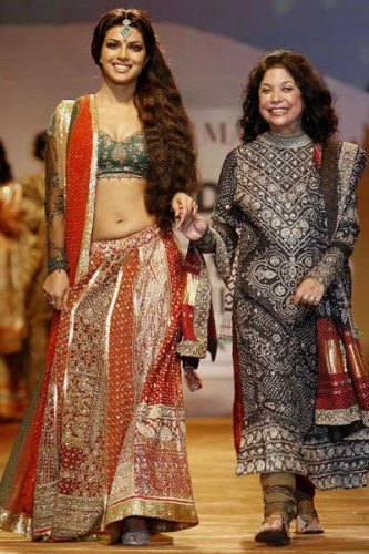 Clothing stores :: Women indian clothing